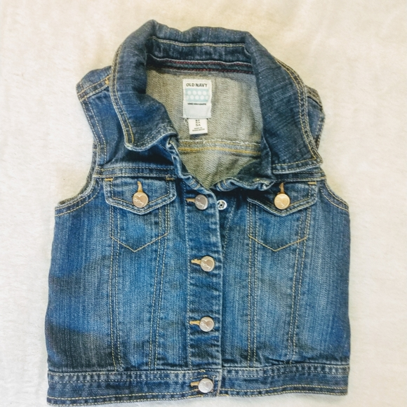 Old Navy Other - Old Navy Jean vest 😍